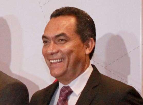 Autoridades de Michoacán se comprometen con trabajadores de la salud