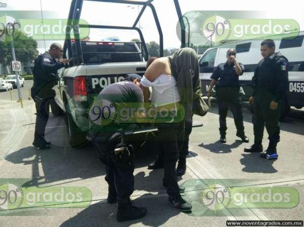 Tras persecución, capturan a tres ladrones en Morelia, Michoacán