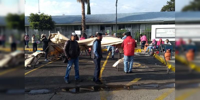 Realizan toma en las instalaciones de Sedesol Michoacán