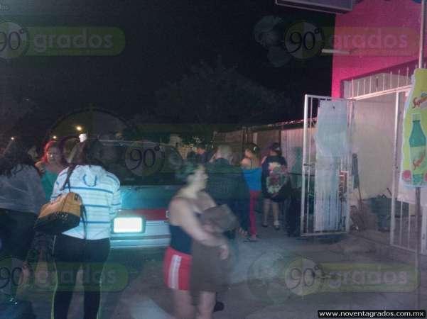 Ladrones golpean y navajean a pareja en Zamora, Michoacán