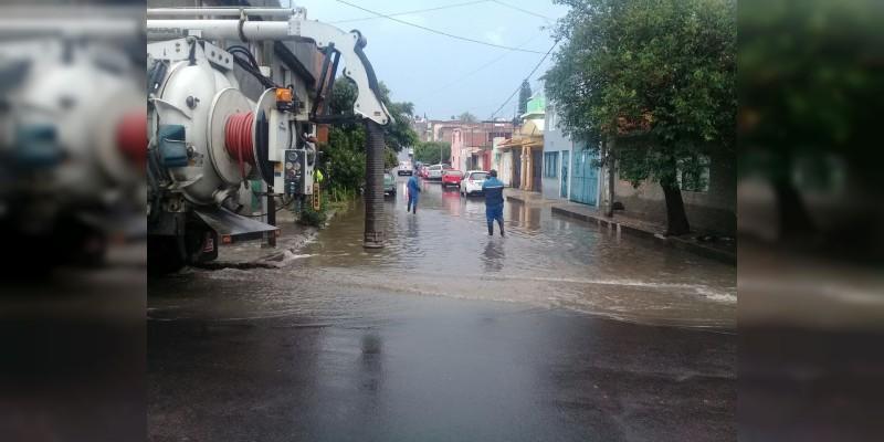 Protección Civil y OOAPAS  atienden afectaciones en diferentes puntos del municipio por lluvias