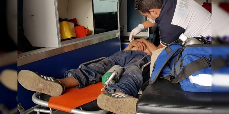 Golpean a presunto ladrón en Zamora, Michoacán
