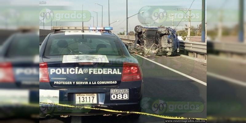 Accidente en la Siglo XXI, en Michoacán, habría dejado varios heridos