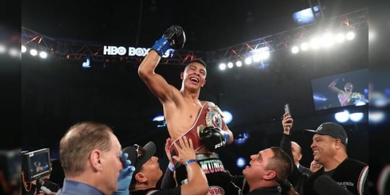 Mexicano Jaime Munguía se convierte en uno de los campeones más jóvenes de la historia