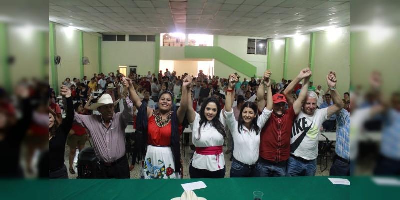 Plantea Xóchitl Ruiz mejorar condiciones de productores de Los Reyes