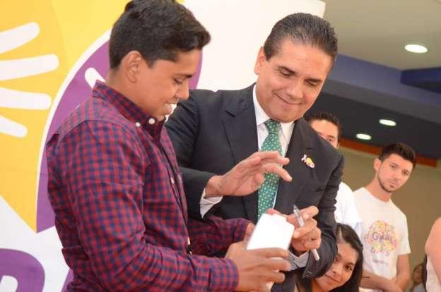 El bienestar de los michoacanos y la salud de la infancia, lo más importante para mi gobierno: Silvano Aureoles