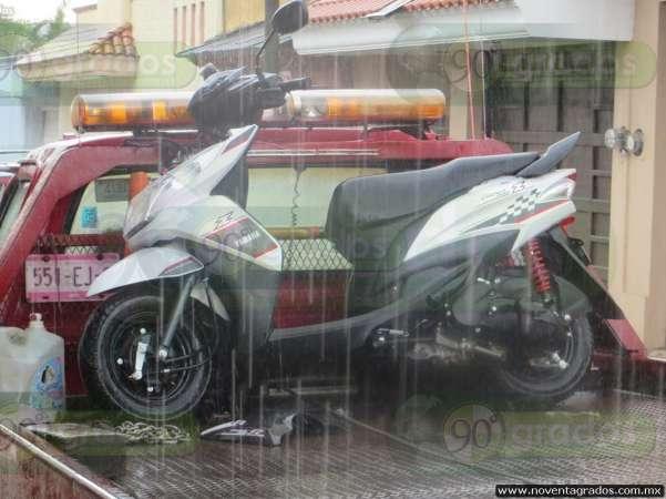 Recuperan motocicleta recién robada en Los Reyes, Michoacán