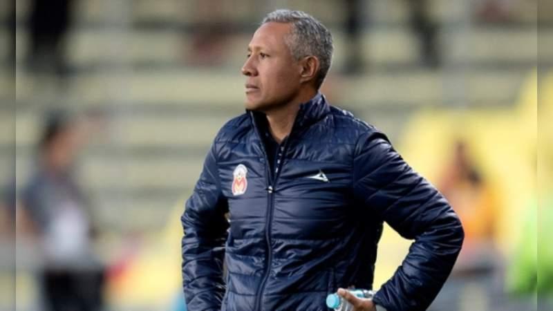 Monarcas anuncia continuidad del técnico Roberto Hernández
