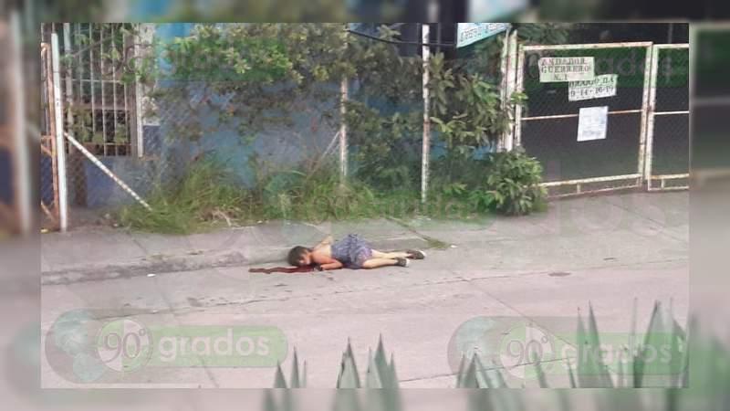 Acuchillan y matan a mujer en asalto en Lázaro Cárdenas, Michoacán
