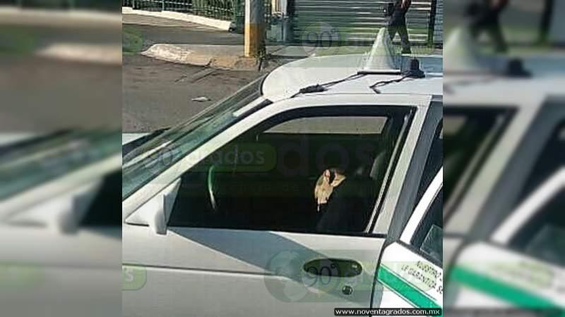 Ejecutan a taxista en su auto en Acapulco, Guerrero