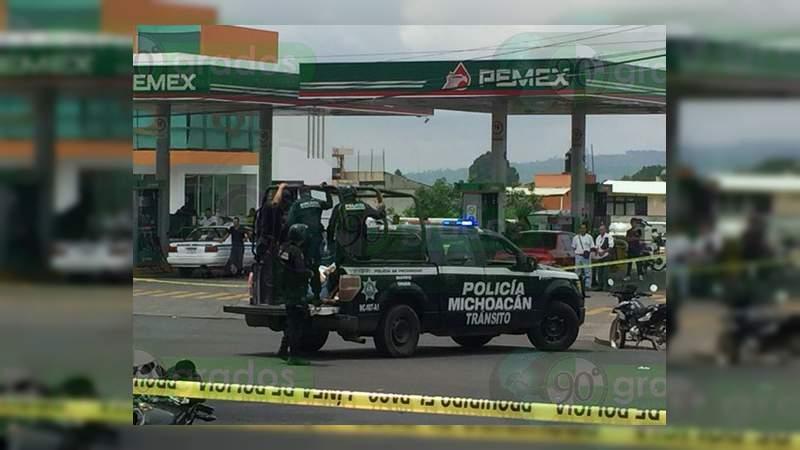 Balacera entre policías y civiles deja dos muertos, un herido y tres detenidos en Uruapan, Michoacán