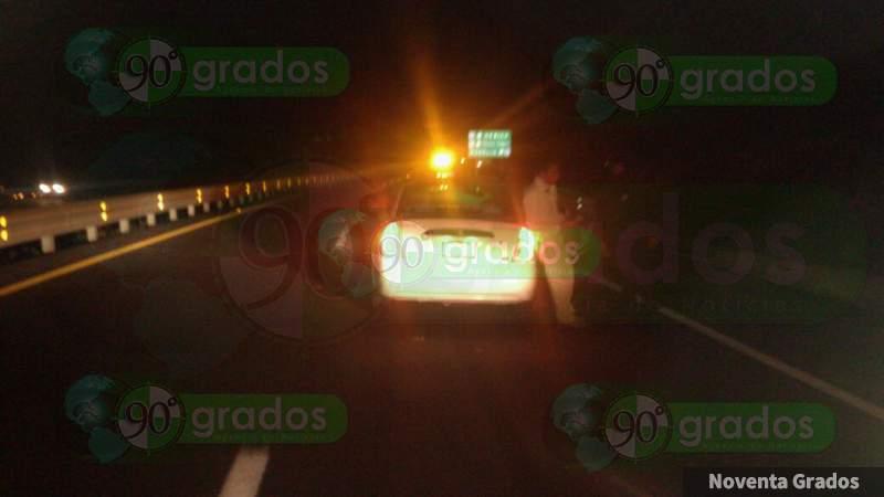 Chocan tráiler y taxi en la Siglo XXI; hay tres heridos