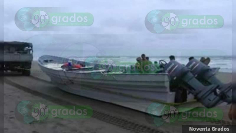 En persecución marítima, aseguran ladrillo de coca y 800 litros de combustible en Lázaro Cárdenas, Michoacán
