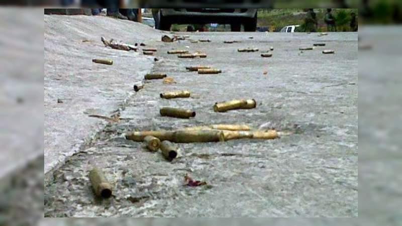 Balean bar, matan a dos, atropellan a dos, chocan y se fugan en Iguala, Guerrero
