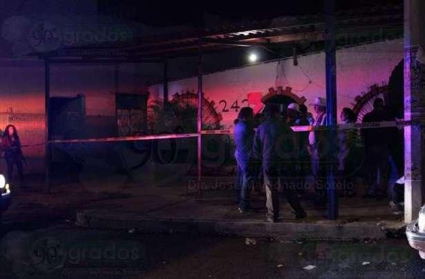 Ejecutan a cuatro personas en un bar de huetamo michoac n for Hotel para cuatro personas