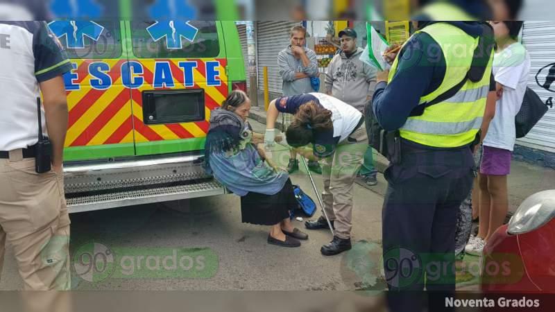 Camión arrolla a una mujer de la tercera edad en Zamora, Michoacán