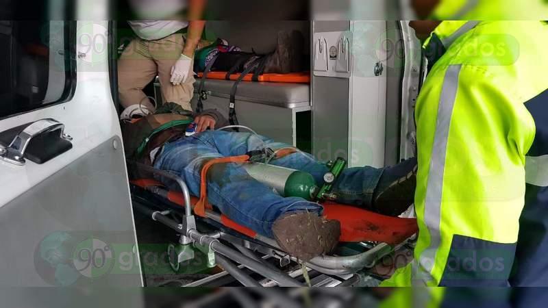 Tres heridos en volcadura en Zamora, Michoacán