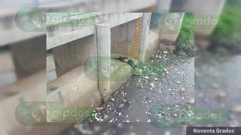 Hallan amarrada y muerta a mujer en un río en Chalco, Estado de México
