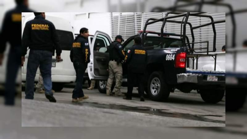 """Aseguran 140 mil litros de combustible robado y detienen a 23 personas en operativos contra """"huachicoleo"""""""