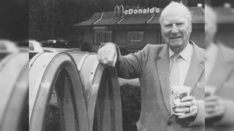 Un día como hoy, pero de 1998 murió el Co-fundador de McDonald's, Richard McDonald
