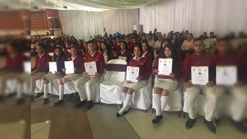 Colegio de Bachilleres plantel Ciudad Hidalgo, culmina con éxito su ciclo escolar