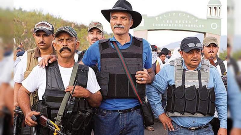 Absuelven a José Manuel Mireles del delito de portación de armas