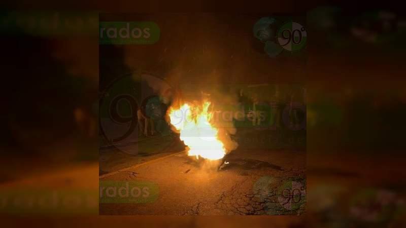 Habitantes de Paracho bloquean carreteras por liberación de banda de robacoches