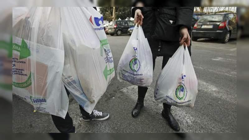Chile se convierte en el primer país de América Latina en prohibir las bolsas de plástico