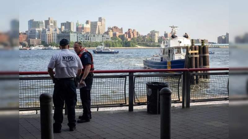 Encuentran a bebé flotando en un río de Nueva York