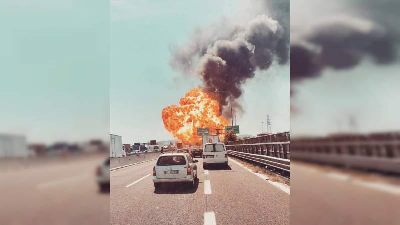 Explosión en una autopista de Bolonia, deja 2 muertos y más de 60 heridos