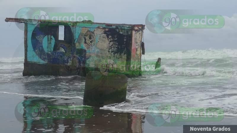 Por presencia de tormenta Ileana, ordena Protección Civil cierre de puerto de Lázaro Cárdenas, Michoacán