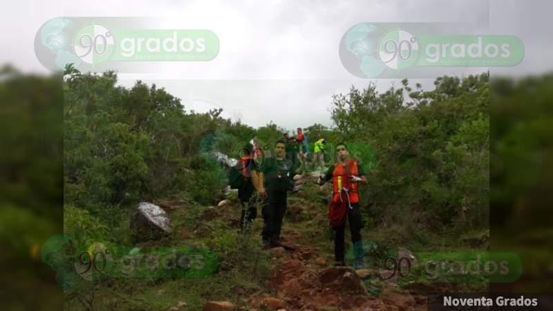 Hallan a tio y sobrina perdidos en el cerro en Zamora, Michoacán