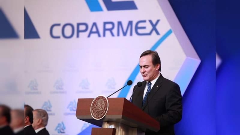 La Coparmex pide a Peña Nieto pacificar el país