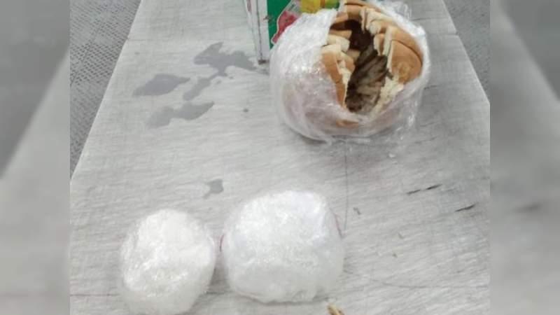 Encuentran bolillos con crystal en el Aeropuerto de Querétaro
