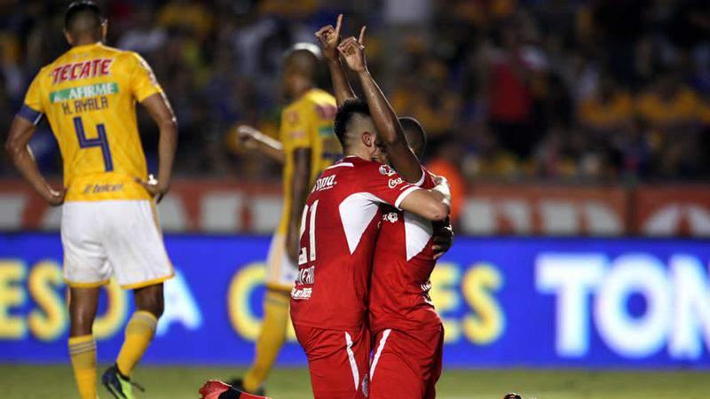 Tigres no logró récord en casa por culpa de Toluca y el árbitro