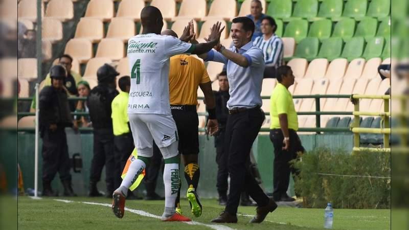 León como local, golea al Querétaro en la Fecha 4