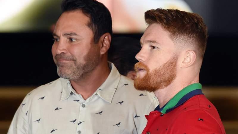 De La Hoya compara a Canelo con Mayweather