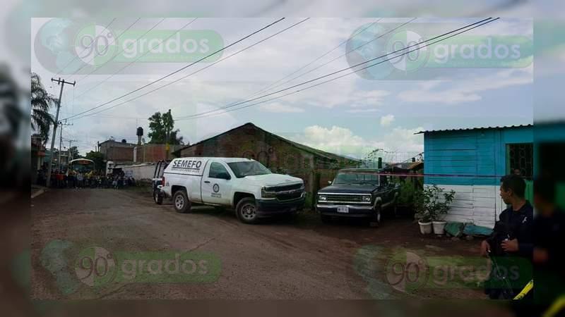 Encuentran maniatado y baleado el cuerpo de un hombre en Zamora, Michoacán
