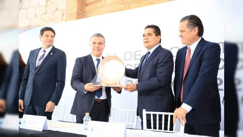Crece 7% en el sector industrial en Michoacán: Silvano Aureoles