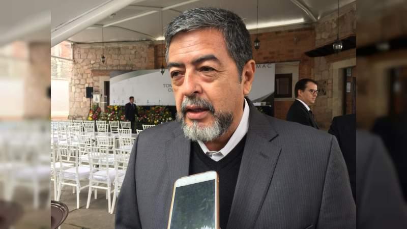 Ojalá el gobierno federal entrante pueda cumplir sus compromisos, desea Rogelio Guizar