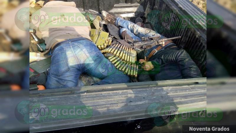 Se enfrentan Ejército y civiles armados en Jalisco; dos heridos e incendian tráiler