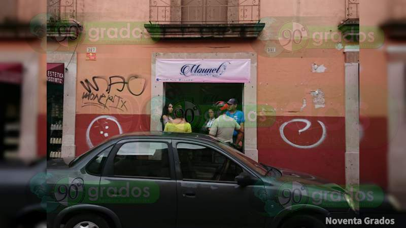 Asaltan negocio en pleno Centro de Morelia, Michoacán
