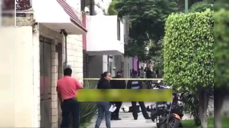 Ejecutan a motociclista en calles de la Narvarte, en Ciudad de México; presumen intento de robo