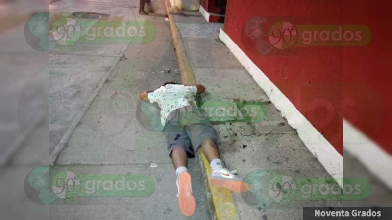 Asesinan a tiros a un joven en Acapulco, Guerrero