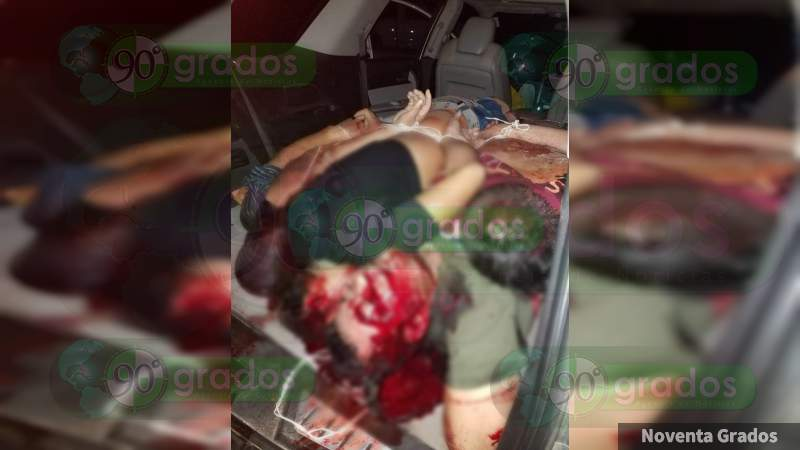 Hallan cuatro cadáveres en un camioneta abandonada en Lázaro Cárdenas, Michoacán