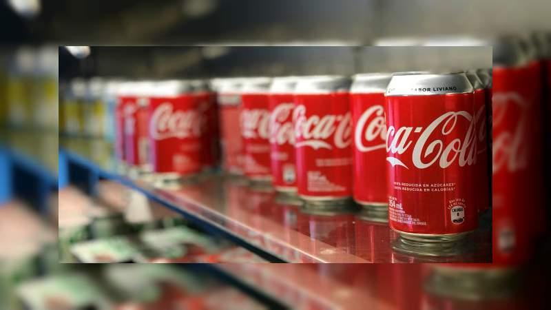Coca-Cola estudia entrar en el mercado de las infusiones de marihuana