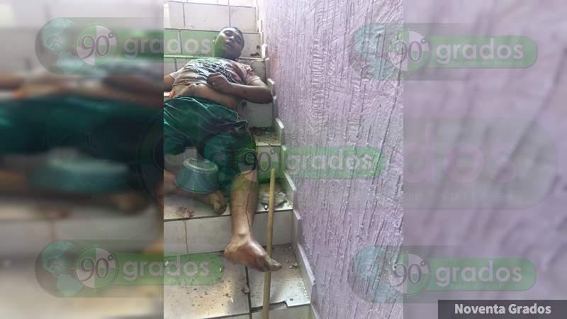 Lo ejecutan a tiros dentro de casa en Parácuaro, Michoacán