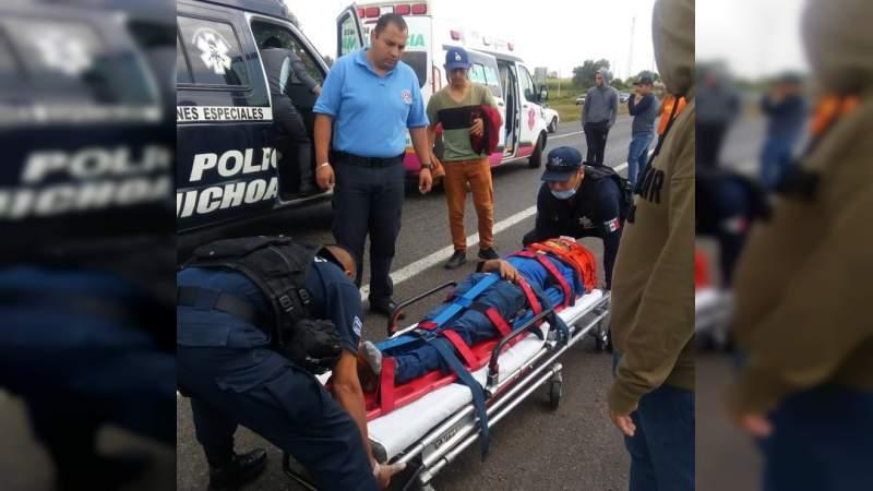 Michoacán: Atropellan a dos normalistas sobre la Morelia - Pátzcuaro, detienen a responsable