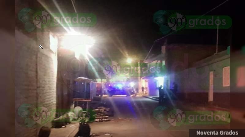 Motosicarios ejecutan a mujer en Jacona, Michoacán
