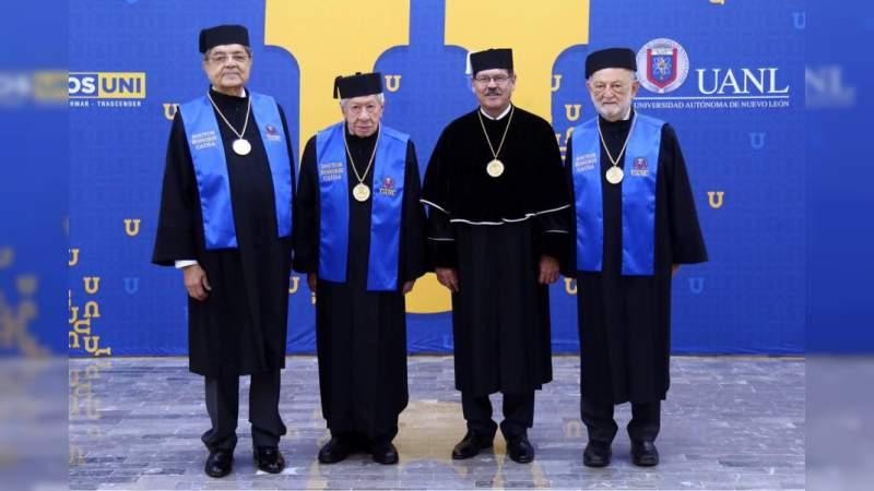 Ignacio López Tarso recibe el Honoris Causa por la UANL